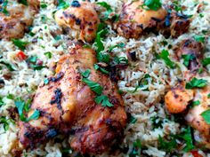 When biriani is too spicy and common, this dish would be the perfect compromise between eastern spicy and western herb rice. With a mediterranean flavor, this dish reminds you of sunny lunches by t… Oven Baked Chicken, Chicken Rice, Baby Shrimp, Shrimp Stir Fry, Lunches, Herb, Seafood, Spicy, Healthy Eating