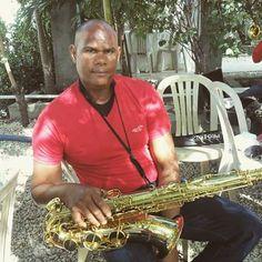 > Ambiorix Méndez Batista gran maestro del #saxofón e integrante del grupo de músicos #Jaraguenses #JARAMAMBO.