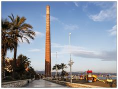 Torre de la fábrica de plomo de Los Guindos en el paseo marítimo Antonio Banderas en Málaga, también conocida como la torre de Mónica Fair Grounds, Fun, Travel, Walks, Towers, Cities, Viajes, Traveling, Trips
