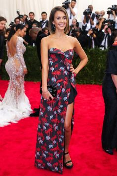 Pin for Later: She Wore THAT? 25 Then-and-Now Style Pics From Your Favorite It Girls Jessica Alba