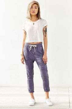 Shop pants for women at Urban Outfitters. Find flare pants, carpenter + utility pants, and joggers for going out or staying in. Flare Pants, Her Style, Going Out, Fitness Models, Urban Outfitters, Pants For Women, Amelia, Style Inspiration, Legs