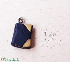Mini könyv medál (IndieLynx) - Meska.hu Handmade Jewellery, Minion, Jewelry, Jewellery Making, Handmade Jewelry, Jewerly, Jewelery, Minions, Jewels
