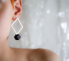 Geometrical, square & cube silver earings, contemporary jewelry design by Lengo