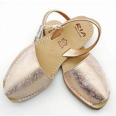 Avarca Sandals in 'Spider Rosa'