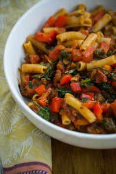 real raw kitchen: RECIPE: spicy tomato and herb sauce, cooked