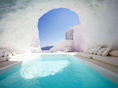 Here is some beautiful pictures of cave pool in one of hotel in Santorini, Greece. Amazing pool carved into the rock in Santorini. Katikies Hotel Santorini, Santorini Hotels, Santorini Greece, Santorini Island, Santorini Travel, Greece Hotels, Greece Resorts, Greece Sea, Oh The Places You'll Go
