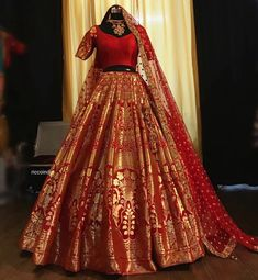 Looking for a budget lehenga store in Delhi? Check out the collection by Ricco India. Lehenga prices start from INR and they even do banarasi lehengas. Indian Bridal Outfits, Indian Fashion Dresses, Indian Gowns Dresses, Dress Indian Style, Indian Designer Outfits, Indian Lehenga, Banarasi Lehenga, Anarkali, Brocade Lehenga
