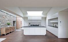Una hermosa y moderna cocina