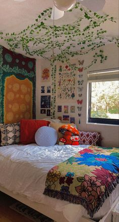 Indie Bedroom, Indie Room Decor, Cute Bedroom Decor, Room Design Bedroom, Aesthetic Room Decor, Room Ideas Bedroom, Bedroom Inspo, Chill Room, Cozy Room