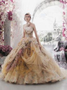 Unglaublich romantische Disneyland Prinzessin Wedding Gown – brautkleider – – Pinmenzilyolu – From Parts Unknown Colored Wedding Dresses, Wedding Gowns, Beautiful Gowns, Beautiful Outfits, Fairytale Dress, Princess Fairytale, Fantasy Gowns, Prom Dresses, Formal Dresses