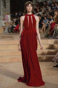 Красное бархатное платье в пол