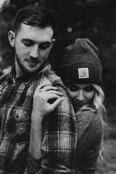 Couple Picture Poses, Couple Photoshoot Poses, Photo Couple, Couple Photography Poses, Autumn Photography, Couple Shoot, Engagement Photo Poses, Engagement Photo Inspiration, Cute Couples Photos