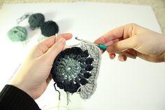 sunburst Flower Granny Squares tutorial