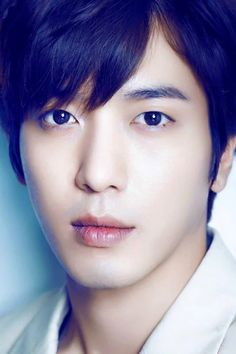 Ya! Jung Yong-Hwa! Oppa!!!! Those eyes! That mouth! Are you TRYING to kill me? I iz ded!