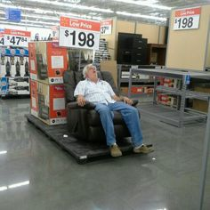 Meanwhile at Walmart .... --- http://tipsalud.com -----