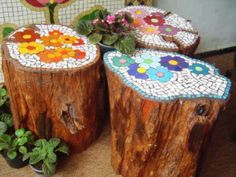 DIY Mosaic Garden Projects Tree Stump Mosaic - adorable garden idea for those ugly stumps that sit around our firepit!Tree Stump Mosaic - adorable garden idea for those ugly stumps that sit around our firepit! Garden Crafts, Garden Projects, Craft Projects, Projects To Try, Wood Projects, Project Ideas, Diy Garden, Garden Web, Balcony Garden