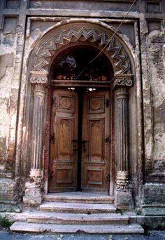 images of gyor synagogue door