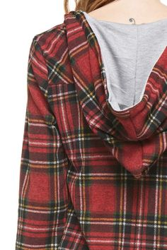 Okay, I am falling for this plaid trend for the fall! Hoods are definitely a bonus! Everything about this looks cozy and I want itttttt! Bonus points for a color other than red. And let's be real: I just love hoodies!!!