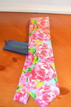Lilly Pulitzer Men's Neck Tie-Hotty Pink First Impression Tie-Brand New with Tag