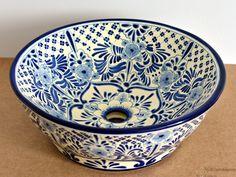 Handbemaltes Waschbecken aus mexikanischer Keramik im Landhausstil Modell Imperial von Mexambiente in Deutschland bestellbar www.mexambiente-shop.com