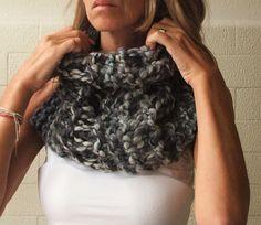 iLEAiYE Chunky Cowl scarf in black white and grey by ileaiye>>must learn how to make!