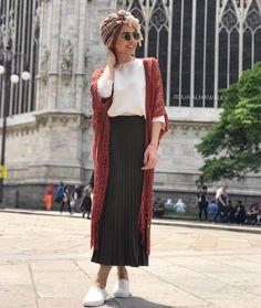 Do you ever wear turbans feel like it fits skinny girls more what do you think Street Hijab Fashion, Abaya Fashion, Muslim Fashion, Modest Fashion, Turban Outfit, Hijab Turban Style, Maxi Outfits, Modest Outfits, Fashion Outfits