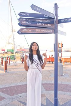 Miss USA Nana Meriwether wears Griffin MAX AZRIA while looking for directions in Cape Town South Africa! Miss Usa, Vancouver, San Francisco, Cape Town South Africa, Max Azria, Africa Travel, Chic, Casual, How To Wear