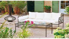 Mobilier de jardin en Fer forgé // http://www.deco.fr/actualite-deco/408874-mobilier-jardin-materiau-choisir.html