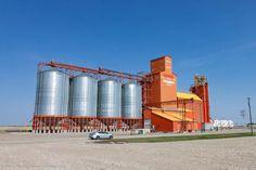 The Pioneer grain elevator in Vulcan, AB Agriculture, Farming, Grain Storage, Grain Silo, Ho Scale Trains, Ferrat, Model Train Layouts, N Scale, True North