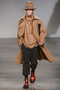 The Almanac.- Paris Men Collections John Galliano a/w 2013.- Joseph Beuys, the size is important, pinstripe, abstract prints. -Post by Hugo Lavín