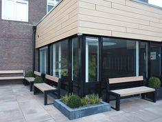 Voor een VVE heeft Falco 5 FalcoBloc zitbanken geplaatst voor een appartementencomplex. Patio, Outdoor Decor, Home Decor, Decoration Home, Room Decor, Home Interior Design, Home Decoration, Terrace, Interior Design