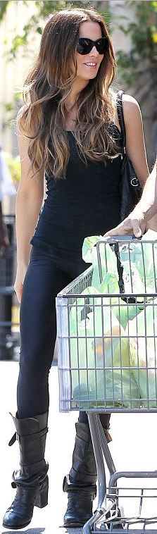 Who made  Kate Beckinsale's black black sunglasses, leather handbag, and buckle boots that she wore in Los Angeles?