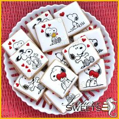 Snoopy Cookies We hot love it cookie my take snoopy for take going become ready it! Paint Cookies, Dog Cookies, Fancy Cookies, Cute Cookies, Snoopy Valentine's Day, Snoopy Cake, Snoopy Party, Sugar Cookie Royal Icing, Iced Sugar Cookies