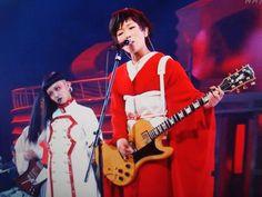 【紅白】椎名林檎さんのバックダンサーカッコよすぎ!AyaBambiさんという方らしい - Togetterまとめ
