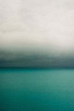 turquoise blue waters, mist