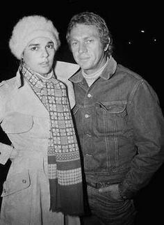 Ali Macgraw and Steve Mcqueen Looks like happier days were behind them. Hollywood Glamour, Classic Hollywood, Old Hollywood, Hollywood Stars, Hollywood Actresses, Ali Macgraw Steve Mcqueen, Actor Steve Mcqueen, Steve Macqueen, Ali Mcgraw
