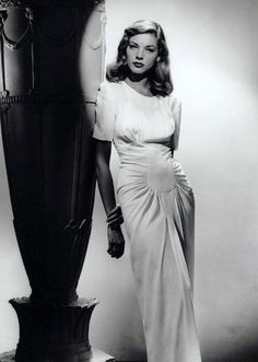 Lauren Bacall I Remember her in Casablanca 1942 co-starring her husband Humphrey Bogart Play it again Sam Unforgettable helping to foster Movie Making Projects in California Hollywood Fashion, Vintage Hollywood, Old Hollywood Stars, Old Hollywood Glamour, Hollywood Walk Of Fame, 1940s Fashion, Golden Age Of Hollywood, Classic Hollywood, Vintage Fashion