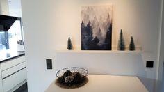 Weihnachtsdeko puristisch | SoLebIch.de - Foto von Mitglied Black and White #solebich #interior #einrichtung #inneneinrichtung #deko #decor #weihnachten #christmas #advent #Weihnachtsdeko #christmasdecor #adventsdeko #adventdecor #tanne #fir #tannezapfen #pinecone