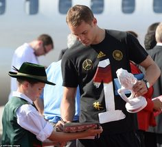 Manuel Neuer july 2014 back in Munchen after WC