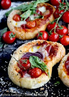 Blinis with shrimps - Clean Eating Snacks Picture Food, Foccacia Recipe, Good Food, Yummy Food, Cooking Recipes, Healthy Recipes, Clean Eating Snacks, Finger Foods, Food Inspiration
