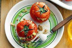 Ready in just one hour, these stuffed tomatoes are healthy, gluten-free and delicious.