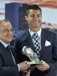 Après avoir égalé le record de Raul, Cristiano Ronaldo honoré par le Real Madrid