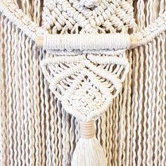 28 отметок «Нравится», 2 комментариев — Heidi Herweynen (@her.wey.designs) в Instagram: «Close up of a custom made piece heading off tomorrow. Made with 3mm soft cotton rope and the most…»
