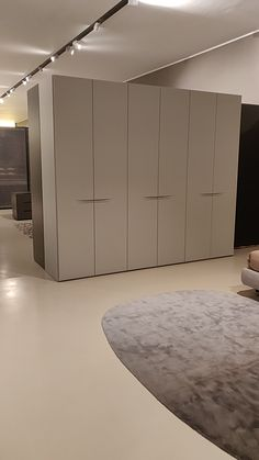 Wardrobe Interior Design, Wardrobe Design Bedroom, Wardrobe Furniture, Bedroom Furniture Design, Modern Bedroom Design, Home Interior, Sliding Door Wardrobe Designs, Wardrobe Doors, Closet Designs