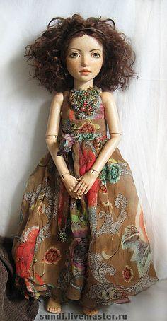 Купить или заказать Ясмина в интернет-магазине на Ярмарке Мастеров. флюмо (тело по форме Лисабет), голова - ладолл, 43 см. Одежда из натурального шелка, вышивка шелком и…