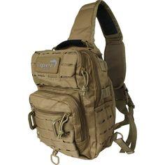 De lichtgewicht en handig formaat schoudertas (one strap bag) als een ideale avontuurlijke reistas. Voorzien van diverse vakken en lazer molle systeem voor het bevestigen van accessoires. https://www.urbansurvival.nl/product/lazer-shoulder-pack-coyote/