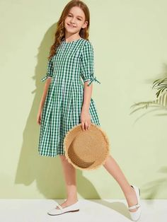 To find out about the Girls Knot Cuff Gingham Dress at SHEIN, part of our latest Girls Dresses ready to shop online today! Cute Little Girl Dresses, Dresses Kids Girl, Cute Dresses, Kids Outfits, Dress Outfits, Party Fashion, Girl Fashion, Fashion Outfits, Fashion Styles