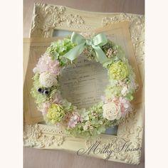 ナチュラルグリーンリース♪ フレンチグリーンのリボンでおめかしを* Happywedding!! * * #リース#フラワーリース #フラワー #フラワーアレンジメント #プリザーブドフラワー #preservedflower #wreath#wedding#welcome #welcomeboard #milkyflower #結婚#結婚式 #結婚式準備 #結婚祝い#プレ花嫁#花嫁#ご両親へのプレゼント#プレゼント#ナチュラル#リボン#雑貨#ウェルカムスペース#ウェルカムリース #きみどり#花雑貨#春#spring#sweet