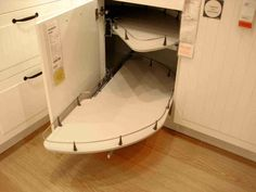 Pull out corner base cabinet. Great idea for the corner!!