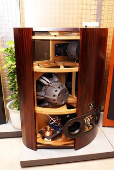 What are the most BEAUTIFUL looking (not sounding although they might be the same) speakers you have ever seen. Open Baffle Speakers, Pro Audio Speakers, Audiophile Speakers, Best Speakers, Hifi Audio, Subwoofer Box Design, Speaker Box Design, Simple Electronic Circuits, High End Hifi